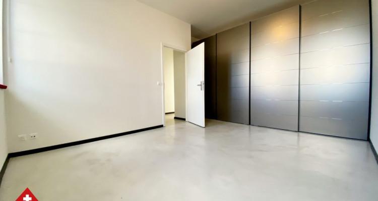 VISITE 3D // Magnifique 3,5p / 2 chambres / Grande pièce de vie  image 5