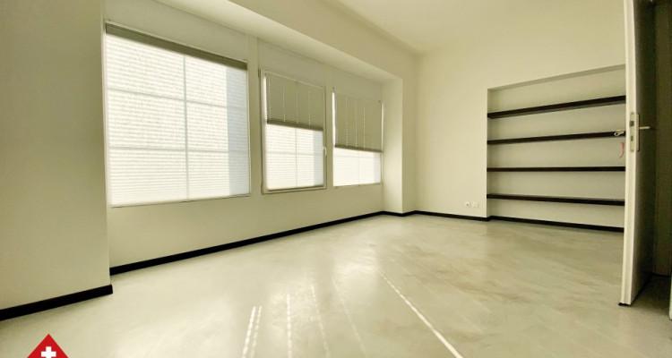 VISITE 3D // Magnifique 3,5p / 2 chambres / Grande pièce de vie  image 6