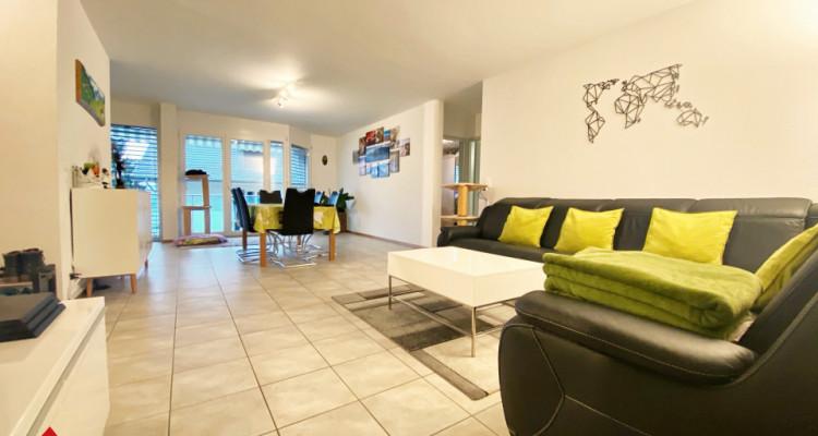 VISITE 3D / Magnifique appartement 3.5p / 2 chambres / SDB / Balcon image 2
