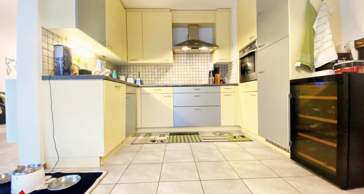 VISITE 3D / Magnifique appartement 3.5p / 2 chambres / SDB / Balcon image 4