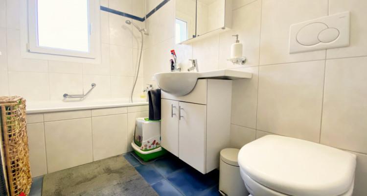 VISITE 3D / Magnifique appartement 3.5p / 2 chambres / SDB / Balcon image 8