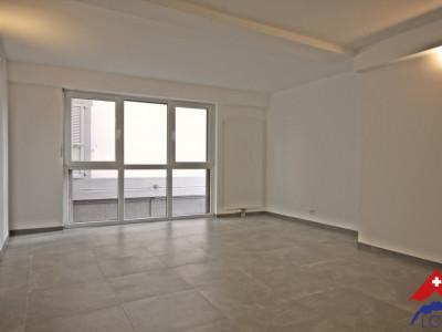 3D // Magnifique appartement 2,5 p / 1 chambre / SDB / Centre-ville image 1