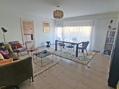 Magnifique appartement 2,5 p / 1 chambre / SDB / Balcon vue lac image 1