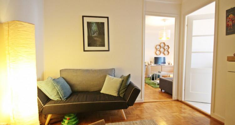 Magnifique 2,5p // 1 chambre // SDB // Balcon image 2