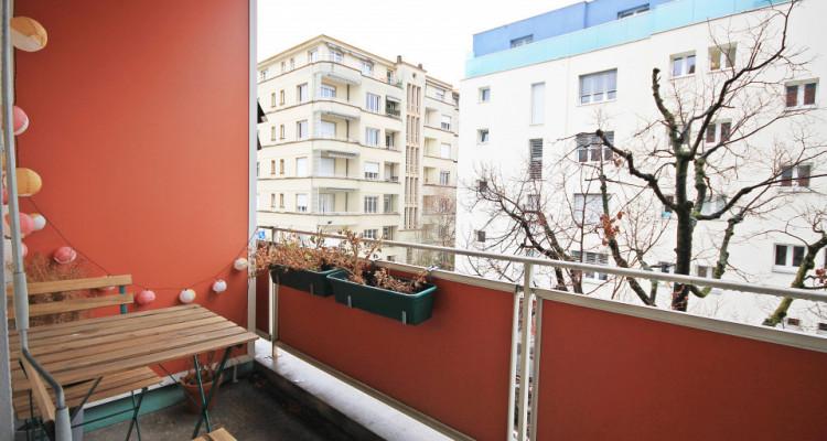 Magnifique 2,5p // 1 chambre // SDB // Balcon image 7