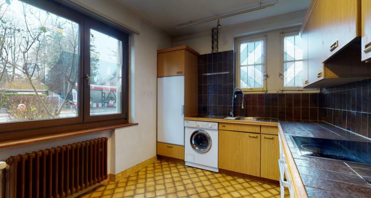 Geräumiges, sehr zentral gelegenes Einfamilienhaus mit viel Potenzial image 11