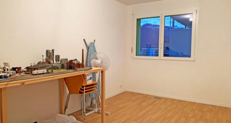 FOTI IMMO - Joli 3,5 pièces au 4ème étage avec beau balcon couvert ! image 5