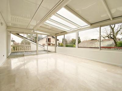 Superbe appartement 6p / 3 chambres / SDB / balcons/ terrasse/ véranda image 1