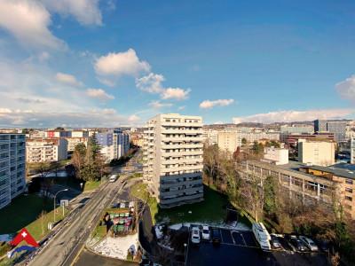 Superbe appartement 3.5 p / Salon lumineux / Balcon avec vue image 1