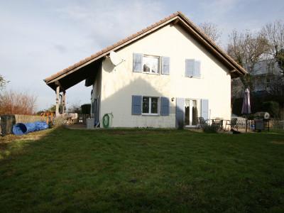confortable villa fonctionnelle sur propriété intelligemment arborée. image 1
