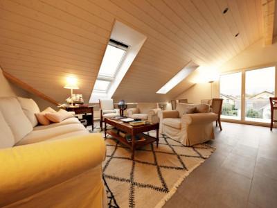 VISITE 3D / Magnifique attique 3 p / 2 chambres / 2 SDB / terrasse image 1