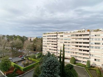 Appartement de standing au 6ème étage au coeur de Florissant image 1