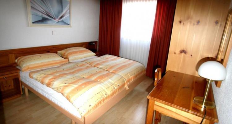 Magnifique appartement de 3 pièces au centre du village avec belle vue sur la vallée image 4
