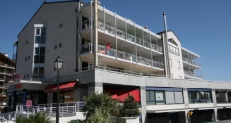 Magnifique appartement de 3 pièces au centre du village avec belle vue sur la vallée image 9