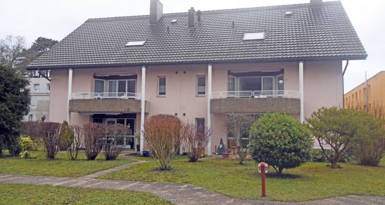 Bel appartement de 4.5 pièces avec terrasse au calme pour investisseur image 2