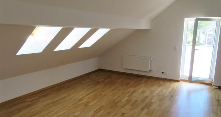 Idéal pour investisseur! Bel attique 3.5 pièces à Yvonand image 2