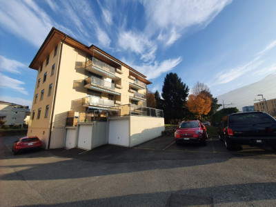 C-Service vous propose appartement de 4.5 pces avec terrasse à Monthey image 1