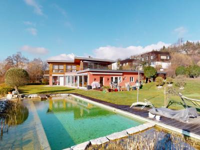 Superbe villa avec piscine naturelle et vue imprenable image 1