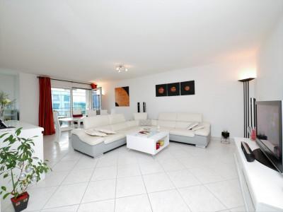 Spacieux appartement, 4 chambres, très lumineux, proximité de tout. image 1