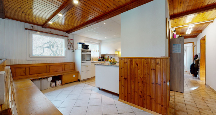 Appartement au rez dune maison avec 350 m2 de jardin partagé image 5