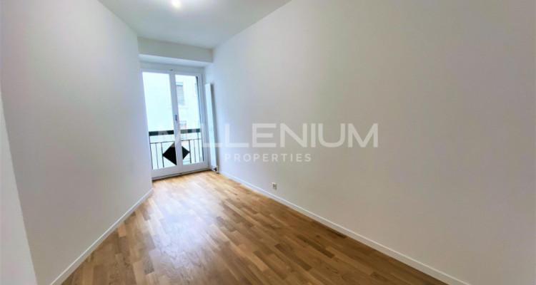 Très bel appartement rénové de 5P à Genève image 5