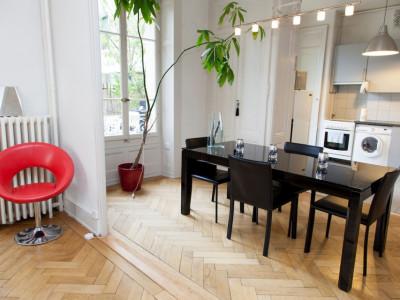 Sous-location - Magnifique loft / très spacieux avec jardin privé image 1