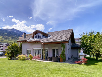 FOTI IMMO - Belle villa individuelle de 5,5 pces - 933 m2 de terrain ! image 1