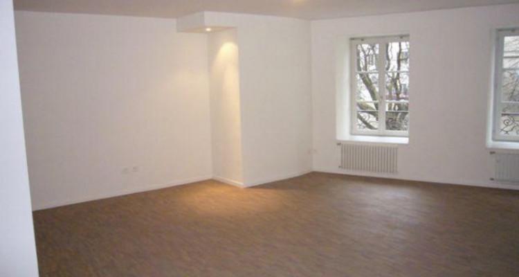 Prestigieux appartement de 6pcs au 6ème étage en centre-ville image 3