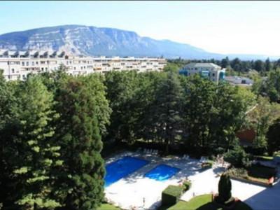 3 pièces à Cologny dans une résidence avec piscine 2200 CHF image 1