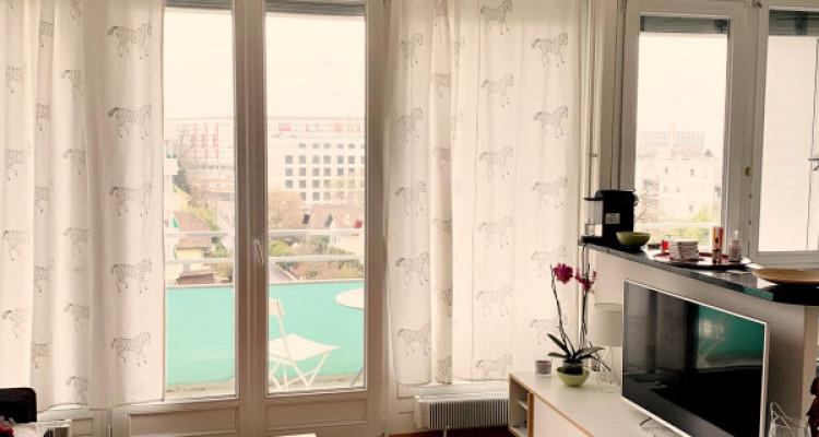 Magnifique appartement en attique de 3 pièces / balcon  image 2