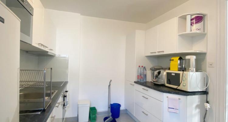 Appartement de 6 pièces avec jardin. image 2