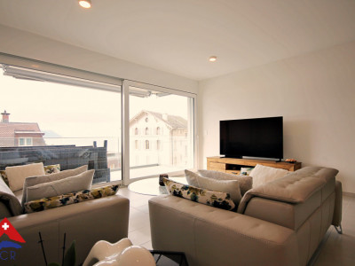 Sublime apt 4.5p / 3 chambres / Balcon avec vue sur lac & montagnes image 1
