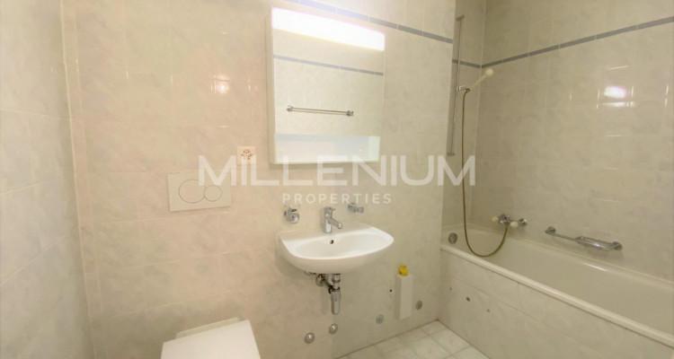 Bel appartement entièrement rénové 5P au centre de Genève image 5