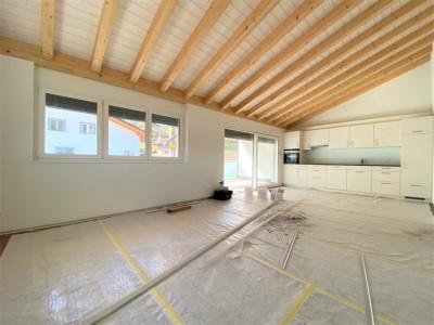 Superbe 3.5p / 2 chambres / 1 salle de bain / 1 balcon  image 1