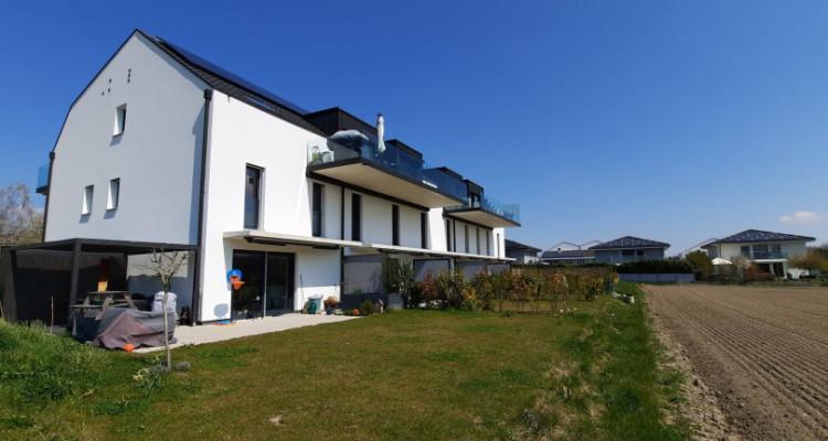 Duplex 4.5 pièces avec jardin et terrasse à la campagne image 1