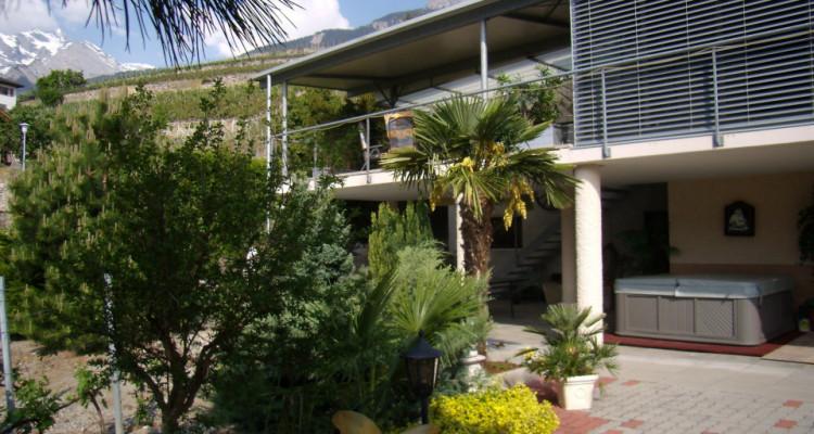 Superbe villa + 2 parcelles de vignes sur les hauteurs de Conthey image 2