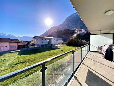Charmant  2,5p récent avec grande terrasse panoramique et place de parc couverte image 1