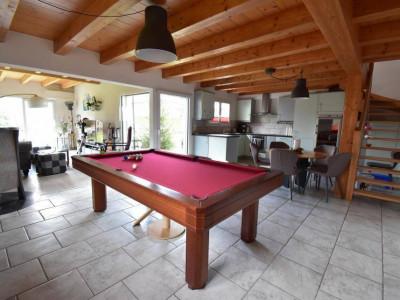 Spacieuse villa située à lextrémité dun quartier résidentiel image 1