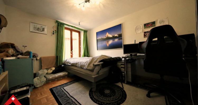 Magnifique appartement de 4.5 pièces / jardinet et grande terrasse  image 4