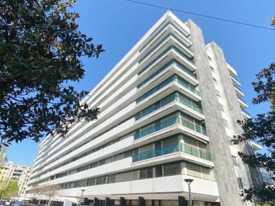 Appartement avec balcon proche des Nations. image 1