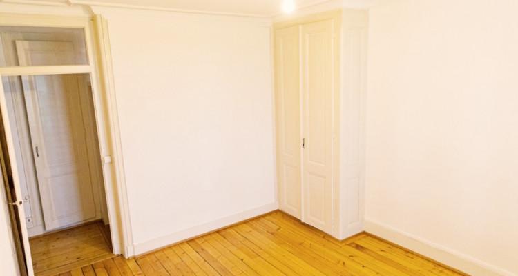 Bel appartement 2 pièces / SDB / Proche commerces  image 2