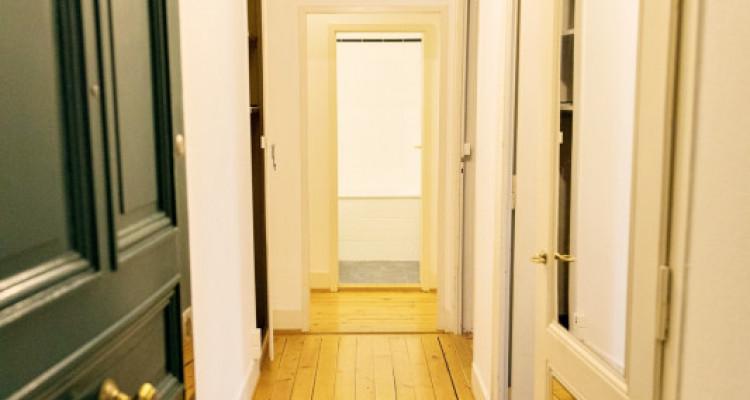 Bel appartement 2 pièces / SDB / Proche commerces  image 4