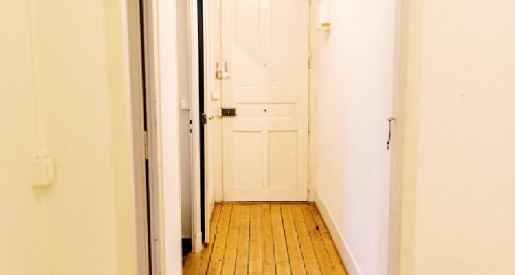 Bel appartement 2 pièces / SDB / Proche commerces  image 5