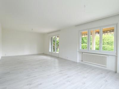 Bel appartement de 120 m2 dans une villa avec jardin privatif image 1