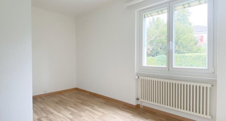 Appartement rénové dans une villa avec jardin image 5