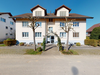 Gepflegte 3½ Zimmer Wohnung an zentraler Lage image 1