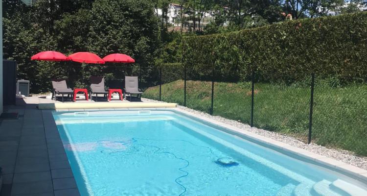 Belle villa avec piscine sur une grande parcelle au bord dun ruisseau image 2