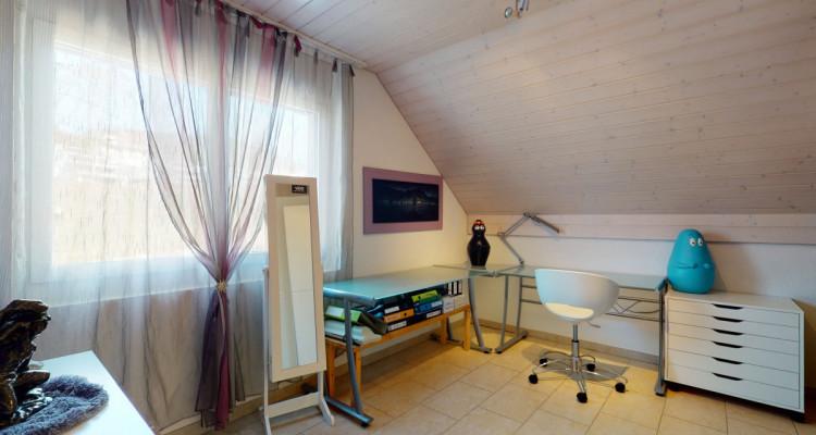 Belle villa avec piscine sur une grande parcelle au bord dun ruisseau image 11