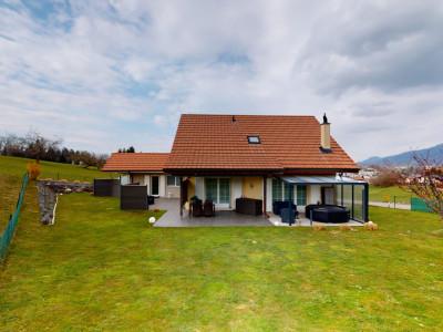 Villa avec studio en bordure dun grand pré image 1