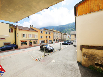 Magnifique appartement 3.5 p / SDB / Proche commodités image 1